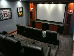 Custom-Theater